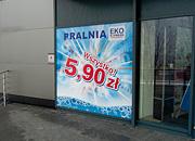 """Kampania promocyjna """"Wszystko 5,90"""", oklejona szyba - Pralnia EkoExpress"""
